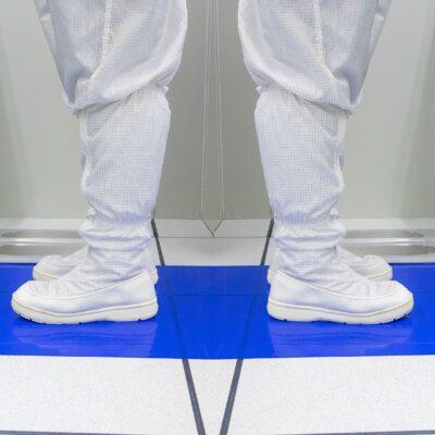 Les chaussures ESD – de quoi s'agit-il et quand sont-elles nécessaires ?